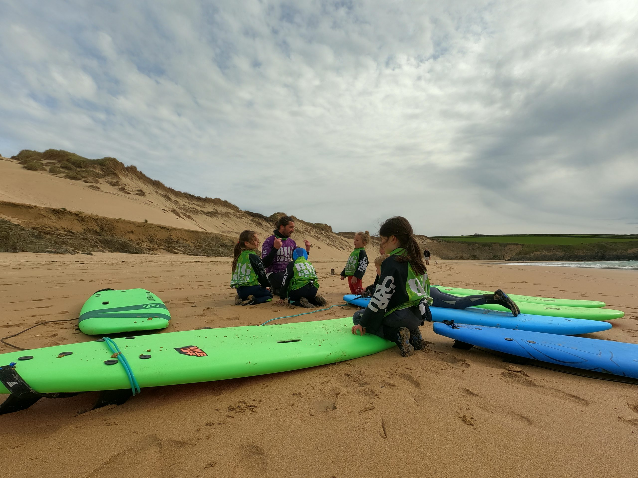 Surf Sessions #1: The Beginner's Lesson – let's talk your first time in the water with Babel Fish